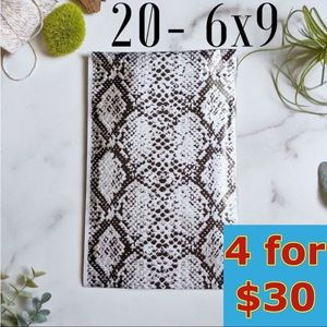 20- 6x9 Snakeskin Poly Mailers